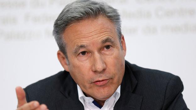 Adrian Amstutz, Fraktionschef SVP, anlässlich einer Medienkonferenz im Oktober 2015 in Bern.