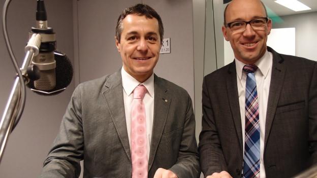 FDP-Fraktionschef Ignazio Cassis (links) und CVP-Nationalrat Stefan Müller-Altermatt im Radiostudio Bern.