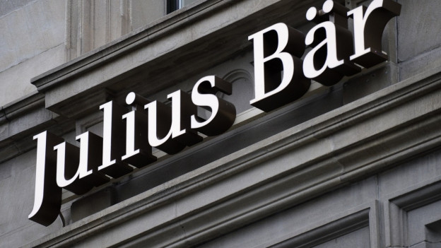Das Logo der Bank Julius Bär am Bankgebäude.