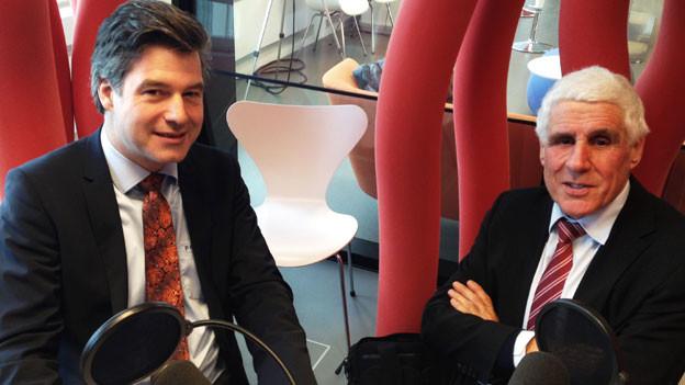 Peter Fischer, NZZ-Wirtschaftschef (links) und Rudolf Strahm, Alt SP-Nationalrat und ex-Preisüberwacher.