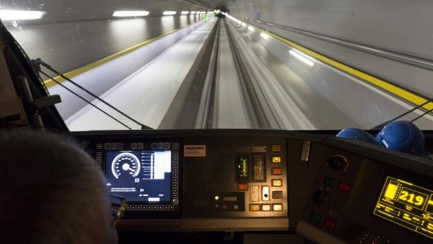 Testfahrt im neuen Gotthard Basistunnel.