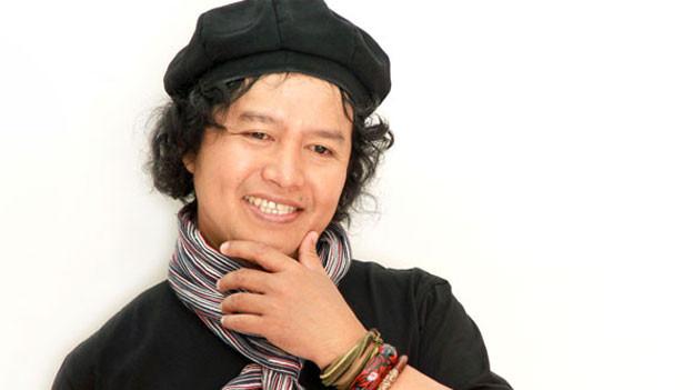 Der indonesische Schriftsteller Andrea Hirata konnte der Armut entrinnen. Er selbst stammt aus einer armen Familie und sagt, die Gedanken armer Menschen können nur arme Menschen verstehen.