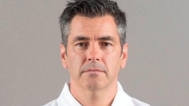 Portraitbild von Brent Reiber, Chef-Schiedsrichter des Schweizer Eishockeys.