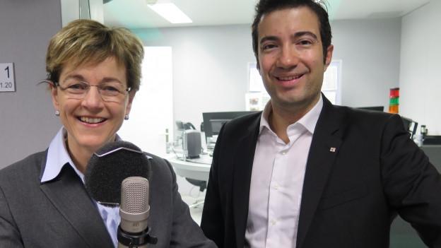 SVP-Nationalrätin Verena Herzog (links) und FDP-Ständerat Andrea Caroni diskutieren im Studio über die «Ehe light».