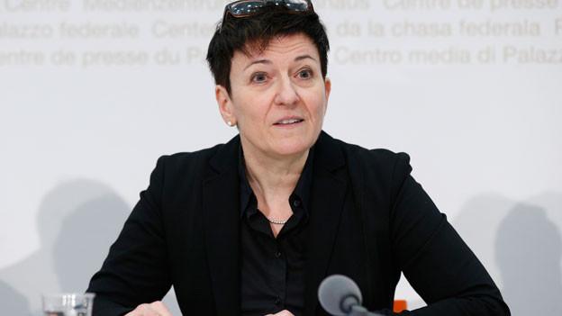 Nicoletta della Valle, Direktorin Fedpol, an einer Medienkonferenz vom 2. November 2015 in Bern.