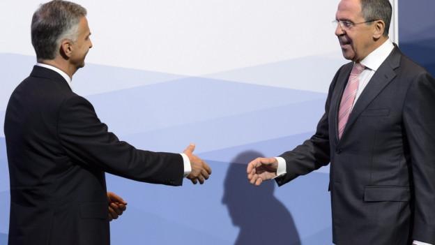 Aussenminister Burkhalter und sein russischer Amtskollege Lawrow bei einem Treffen 2014.