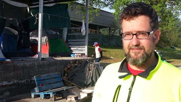 Michael Räber von «Schwizerchrüz» in Idomeni.