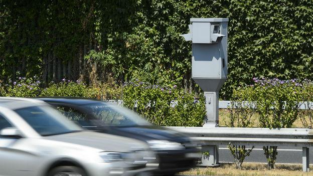 Radarkontrollen: Soll man davor warnen?