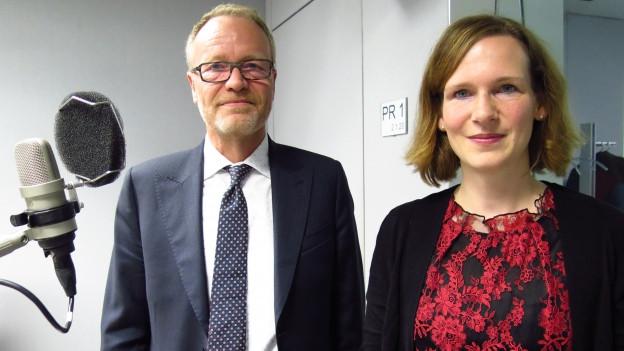 SP-Nationalrätin Evi Allemann und SVP-Nationalrat Hans Egloff im Studio von Radio SRF.