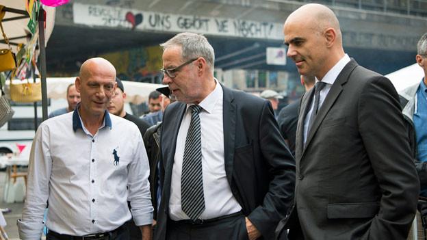 Alain Berset (rechts) an der Eröffnung der Feckerchilbi in Bern