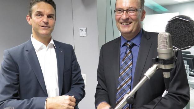 Die Nationalräte Beat Walti (links) von der FDP und Markus Ritter, Präsident des Bauernverbands, im Radiostudio Bern.
