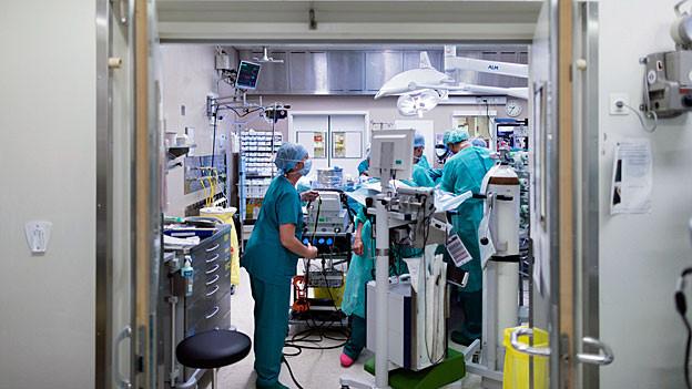 Vor einer Operation im Universitätsspital Lausanne.