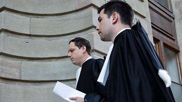 Die zwei Verteidiger von Fabrice A. vor dem Gericht in Genf.