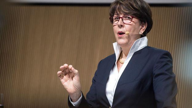 Susanne Ruoff, Konzernleiterin Die Post, spricht während der Bilanzmedienkonferenz am 10. März 2016 in Bern.