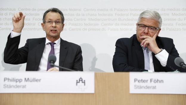 Zwei Ständeräte erklären die Vorschläge der Ständeratskommission.