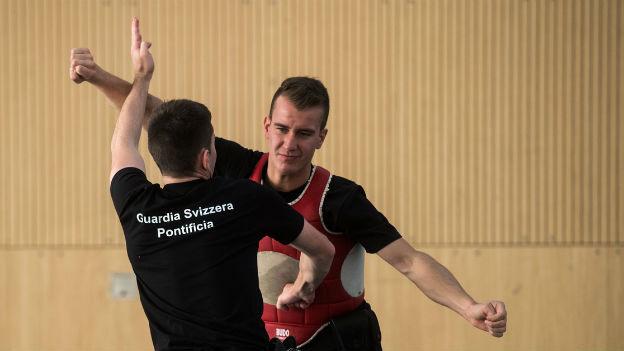 Schweizer Training für die Schweizer Garde