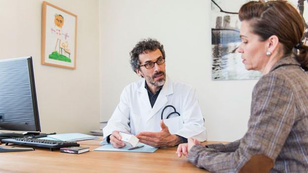 Ziel des Sonderprogramms ist, bis in 9 Jahren schweizweit 1300 Medizin-Studienplätze anzubieten. Heute sind es knapp 900. Symbolbild.