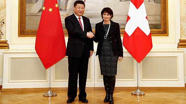 Chinas Präsident Xi Jinping und Bundespräsidentin Doris Leuthard beim Medientermin.