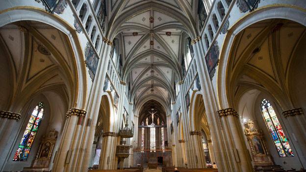 Wie die evangelisch-reformierte Kirche hat auch die römisch-katholische an Bedeutung verloren. Kathedrale in Freiburg.