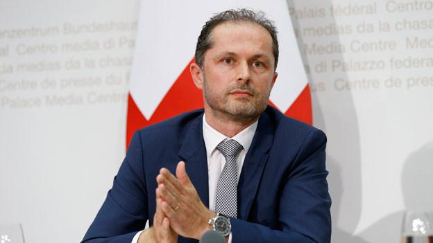 Benoît Revaz, neuer Direktor Bundesamt für Energie, spricht an einer Medienkonferenz am Mittwoch, 6. Juli 2016 in Bern.
