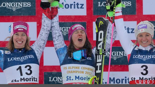 Gold für die Schweizerin Wendy Holdener (Mitte), Silber für die Schweizerin Michelle Gisin (links) und Bronze für die Österreicherin Michaela Kirchgasser (rechts).
