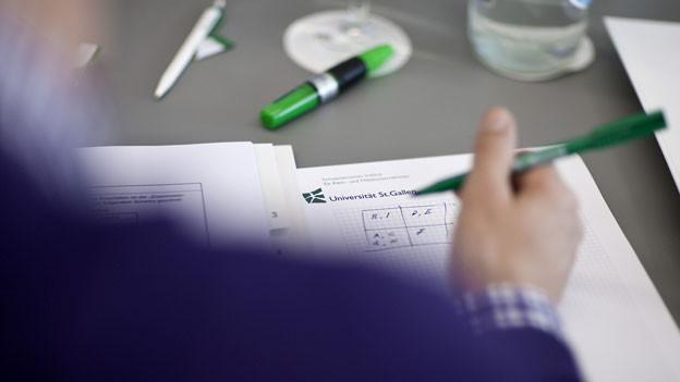 Tausende von Weiterbildungs-Instituten versprechen mehr Erfolg im Beruf. Doch: Welche Weiterbildungen sind seriös?
