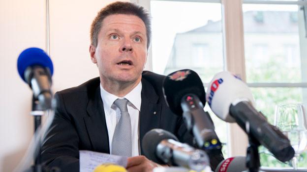 Martin Bäumle, Parteipräsident der GLP Schweiz, während der Medienkonferenz über seinen Rücktritt als GLP Parteipräsident, am Freitag, 19. Mai 2017, in Bern.