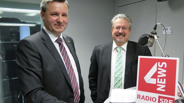 Das Bild zeigt den Berner SVP-Nationalrat Werner Salzmann und Beat Flach, Nationalrat der Grünliberalen aus dem Aargau.