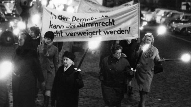 Frauen demonstrieren am 1. Februar 1968 in Zürich.