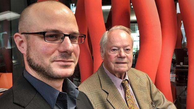 Historiker Thomas Bürgisser (links) und Nikolaus Voegeli, Enkel des Balkankönigs.