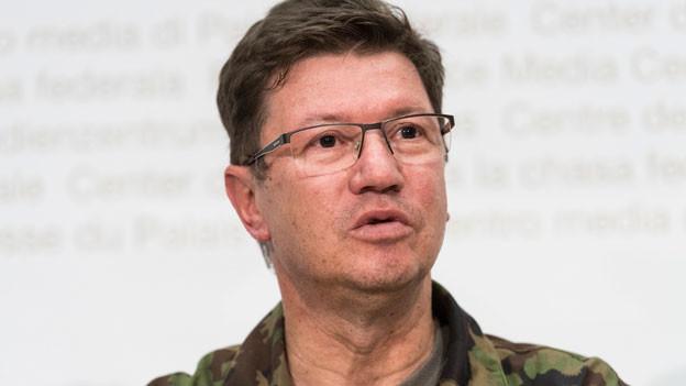 Jetzt gelte das ganze Augenmerk dem vermissten Piloten, sagt Luftwaffenchef Aldo Schellenberg.