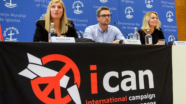 Mitglieder des Lenkungsausschusses an der Pressekonferenz zur Verleihung des Friedensnobelpreises am 6. Oktober 2017.
