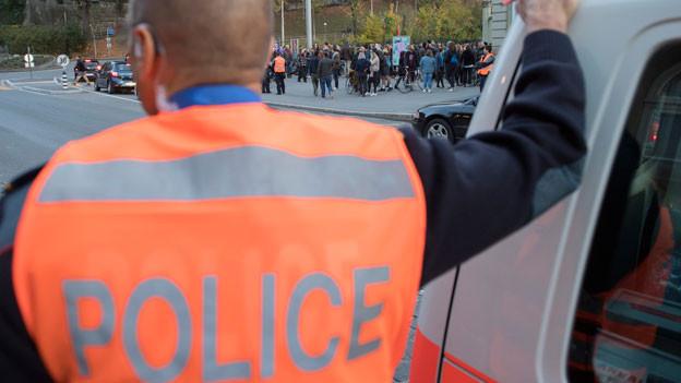 Die Polizei soll gegen Gefährder eingreifen können, bevor es zu spät ist. Symbolbild.