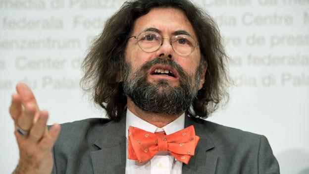 Thomas Geiser, Professor für Arbeitsrecht an der Uni St. Gallen an einer Medienkonferenz zum Entscheid des Initiativkomitees zum weiteren Vorgehen der Rasa-Initiative.