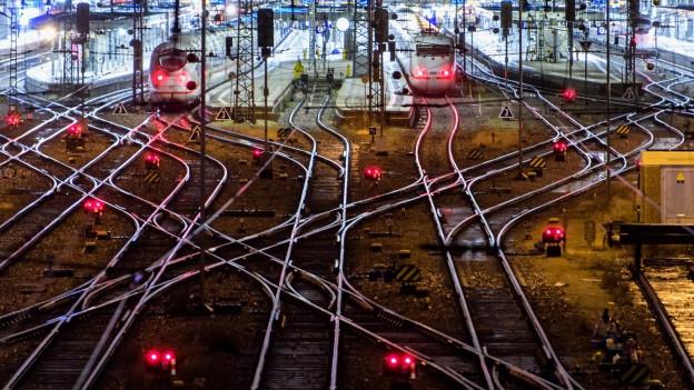 Das Schienennetz in einem Bahnhof.