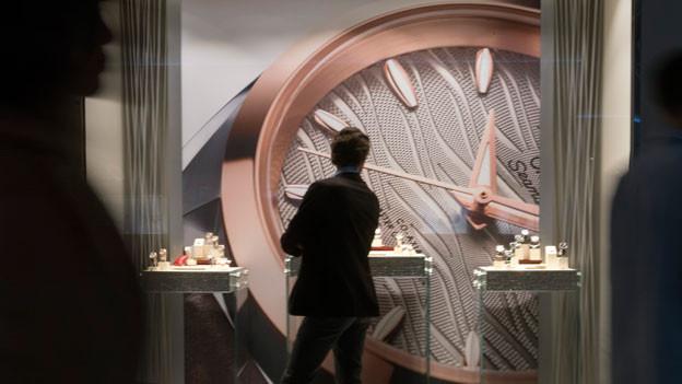 Die Uhrenindustrie wandelt sich grundsätzlich. Die Hersteller gehen nicht mehr an die Baselworld, um dort exklusiv ihre neu designten, in rosa Gold gefassten und mit diamantbestückten Zeitmesser zu präsentieren.