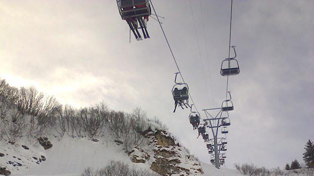 Sessellift im Skigebiet in Braunwald.