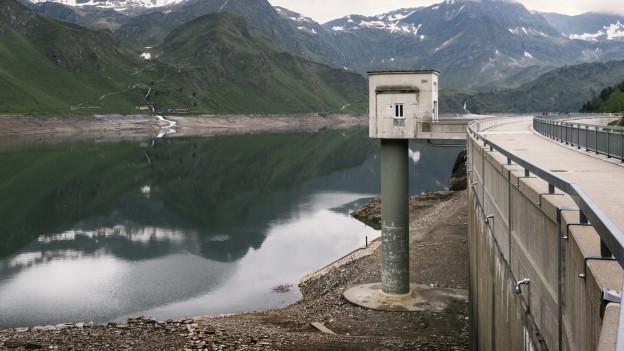 Die Schweizer Stauseen sind vielerorts so leer wie seit 20 Jahren nicht mehr.