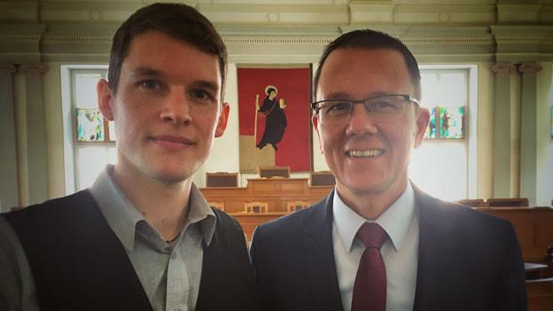 Lukas Leuzinger, Politologe (links) und Rolf Widmer, Landammann Glarus.