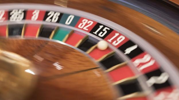Das Bild zeigt eine Roulette-Maschine im Grand Casino in Bern.