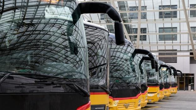 Neue Unruhe um die Postauto AG: Zu sehen ist der Postautobahnhof Chur.