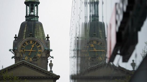 Die Städte und die Kirchen leisten auch bei der neuen Steuervorlage Widerstand. Zu sehen ist die Heiliggeistkirche im Berner Stadtzentrum.