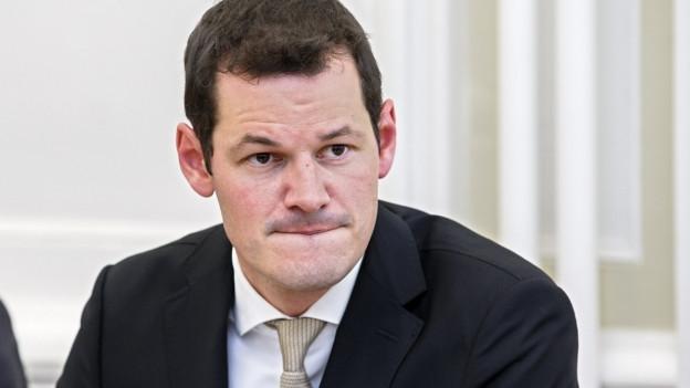 Der Genfer Regierungspräsident Pierre Maudet mit ernstem Blick