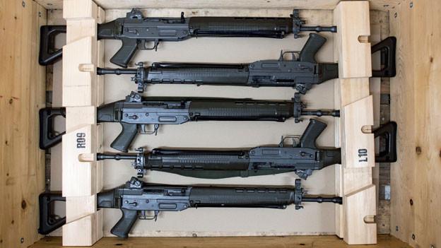 Sturmgewehre der Schweizer Armee.