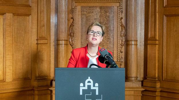 Edith Graf-Litscher, Nationalrätin und Präsidentin KVF-N, an der Medienkonferenz am 11. Februar 2019 im Bundeshaus in Bern.