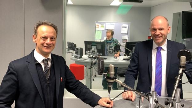 Auf dem Bild links ist CVP-Ständerat Stefan Engler zu sehen, rechts SVP-Nationalrat Thomas Hurter