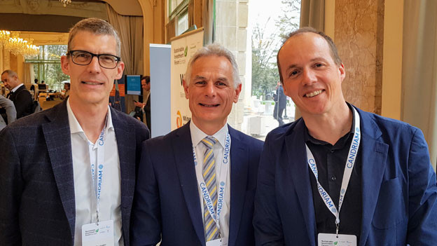 Jan Baumann, Wirtschaftsredaktor Radio SRF (links), Patrick Uelfeti, Publica (MItte) und Klaus Ammann, Wirtschaftsredaktor Radio SRF (rechts).