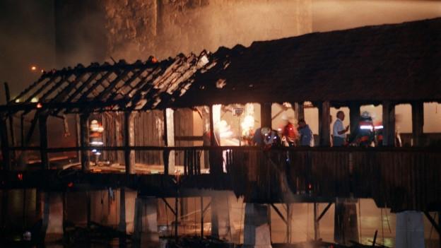 Brand der Kapellbrücke in Luzern 1993.