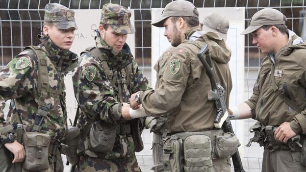 Symbolbild. Schweizer Soldaten.