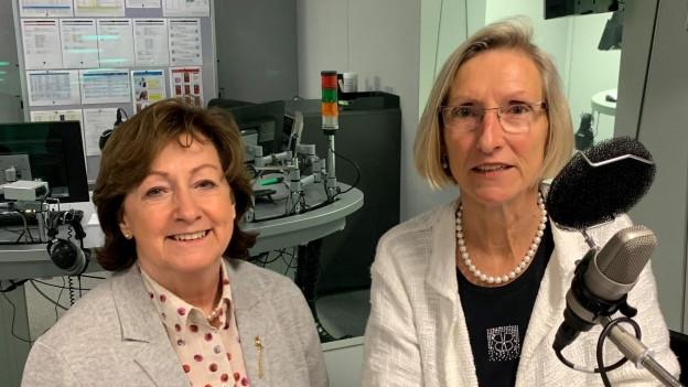 Zu Gast im Politikum sind die beiden Nationalrätinnen Sylvia Flückiger (SVP) und Priska Birrer-Heimo.